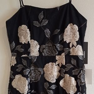 Lulu's Dresses - Lulu's Elston Floral Embroidered Bodycon Dress